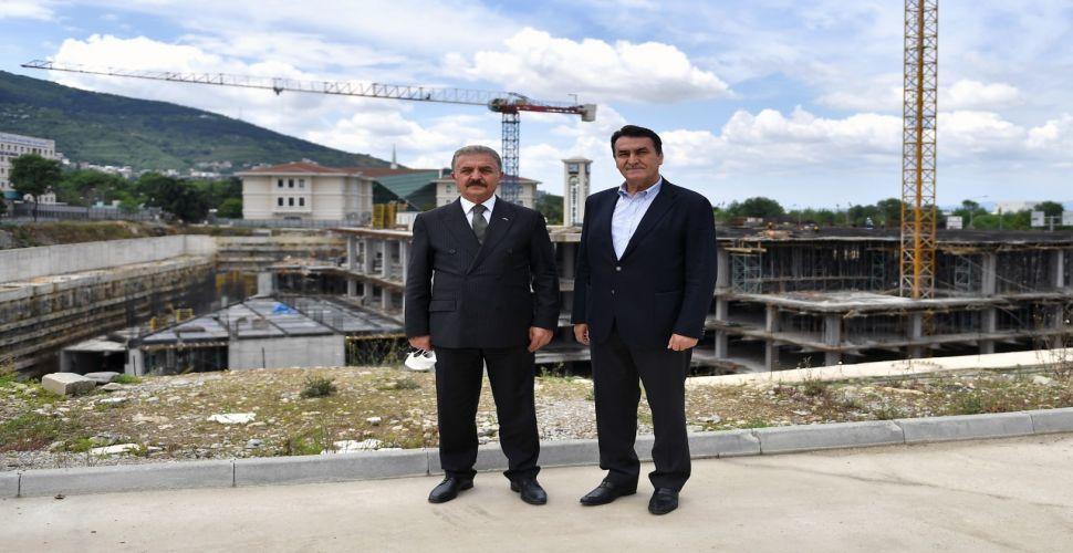 """""""Osmangazi Meydanı, Bursalıları Heyecanlandırıyor"""""""
